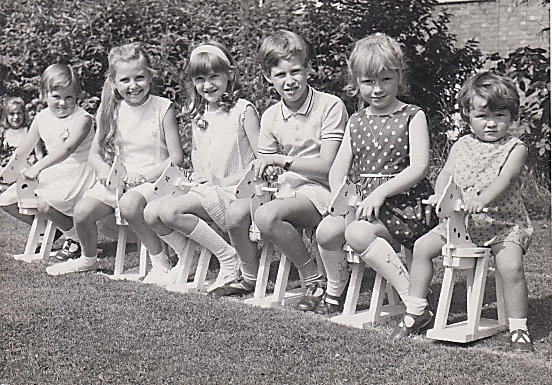 church_garden_party_around_1968_1969_001.jpg