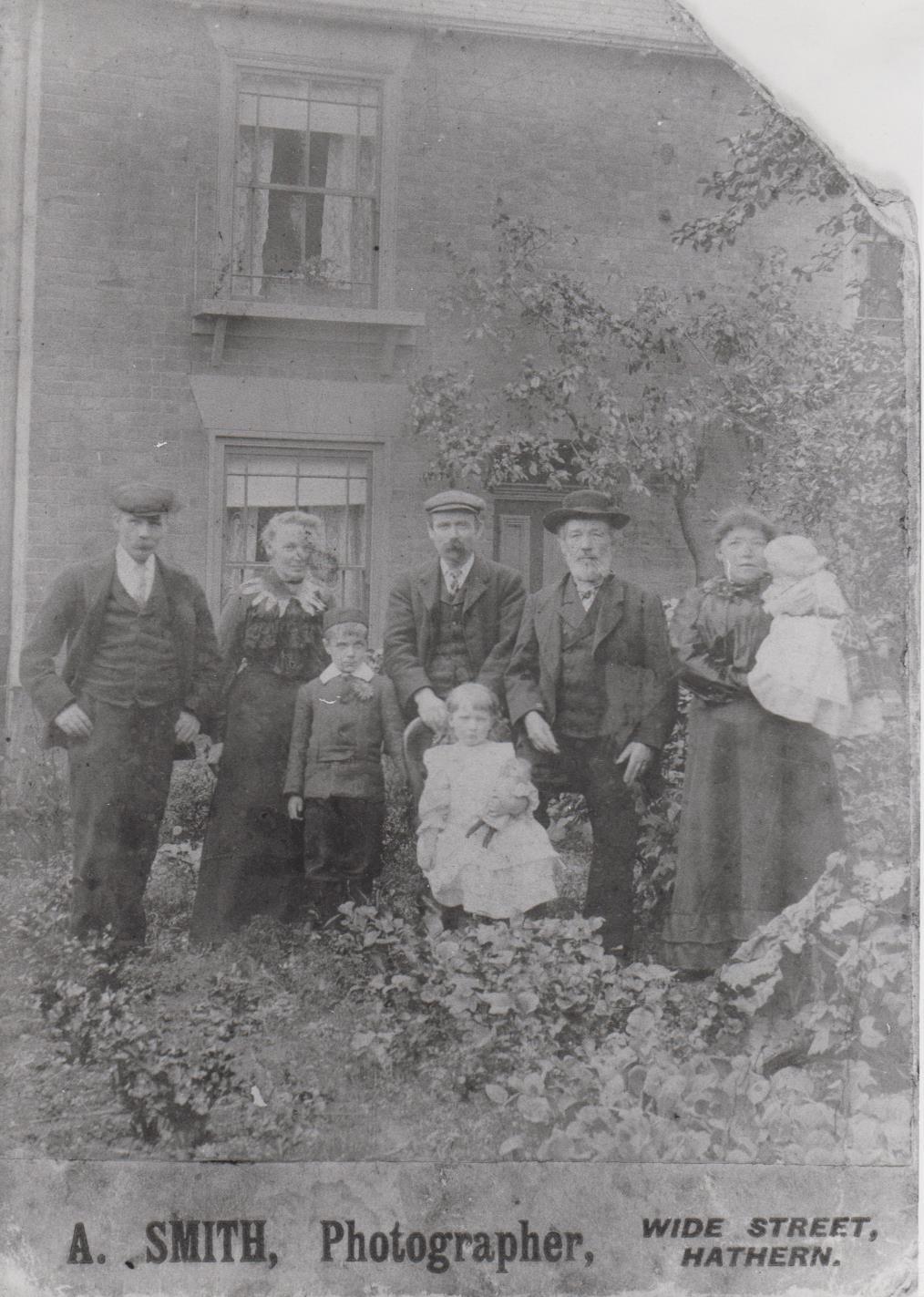h451_rossell_family_1903-001.jpg