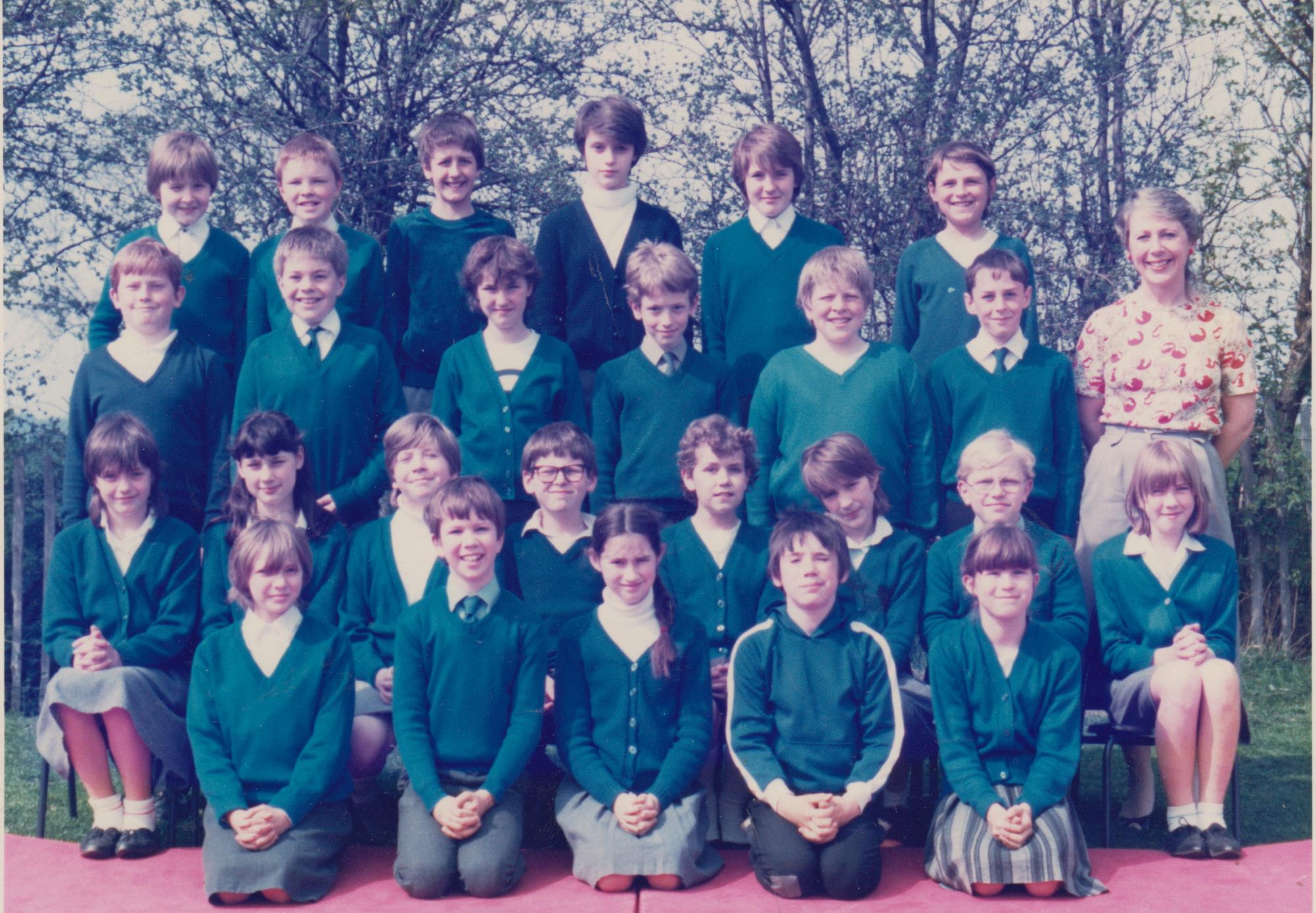 schoolgroup_c_1984_sandra_price_001.jpg