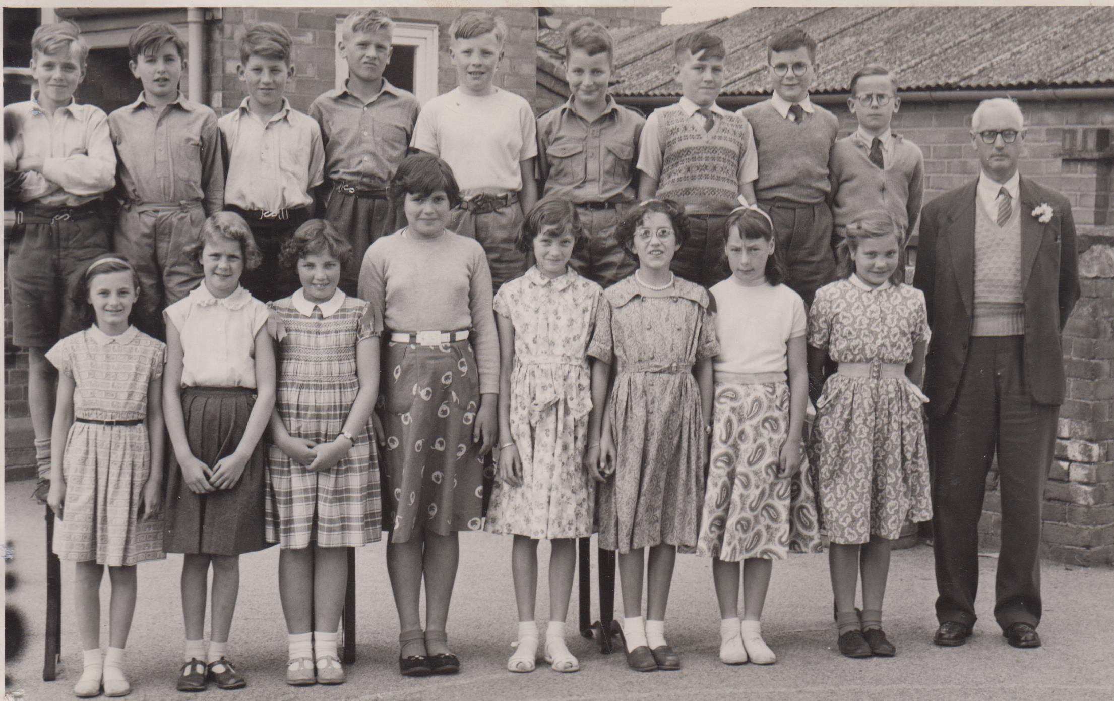 school_leavers_1957_001.jpg