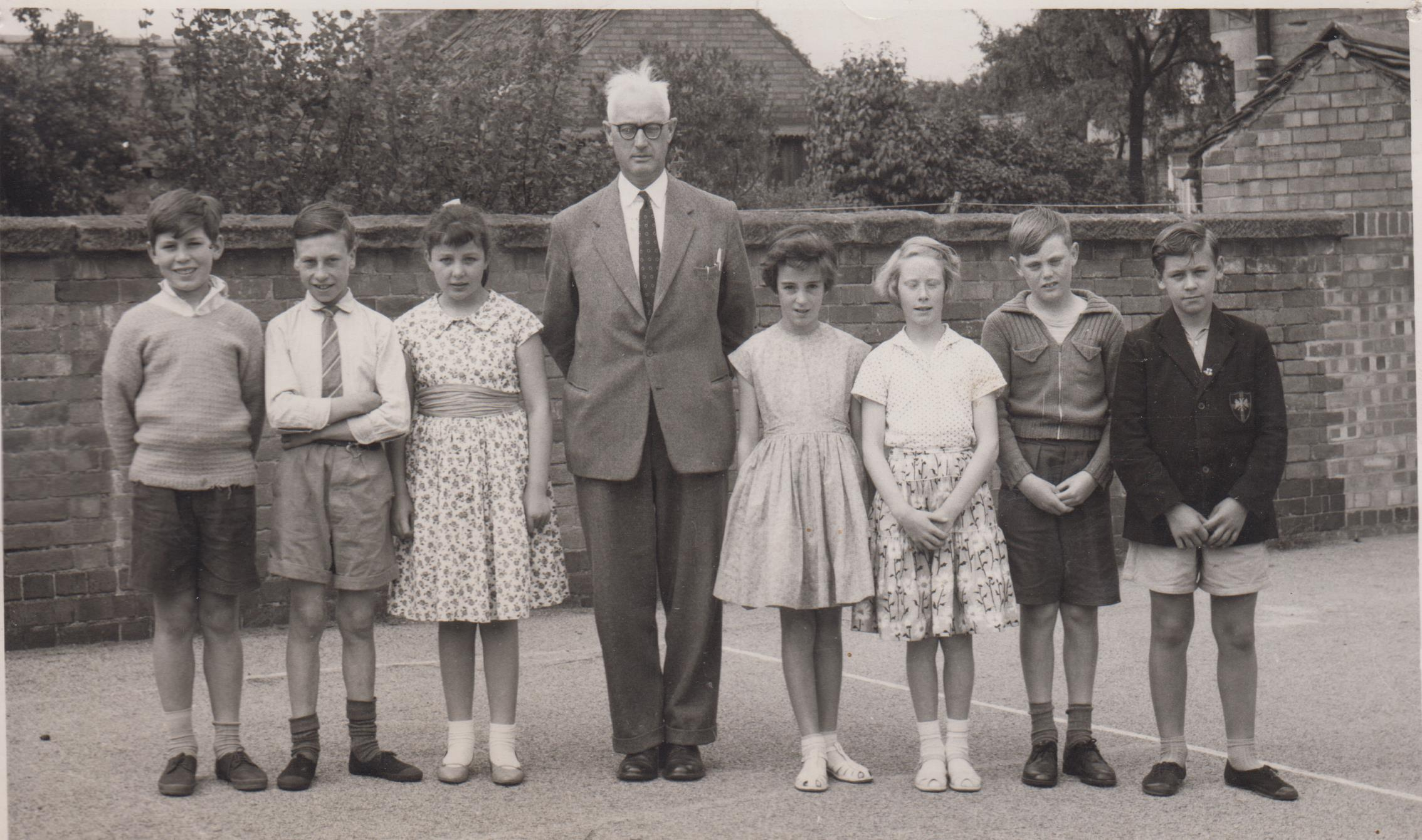 School_Leavers_1960_001.jpg