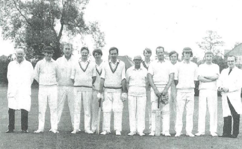 cricket_team_1972.jpg