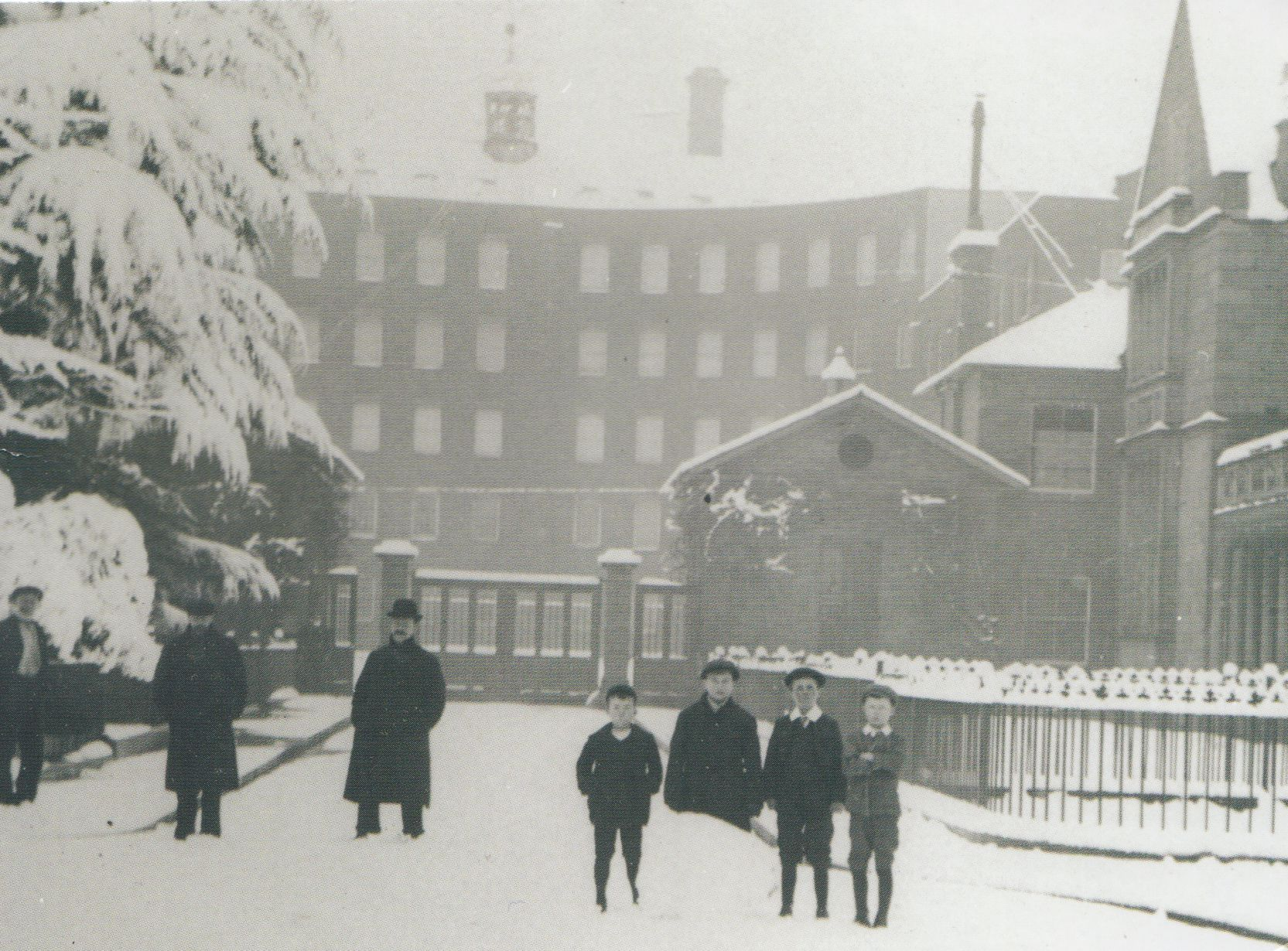 tiverton_in_snow_0001.jpg