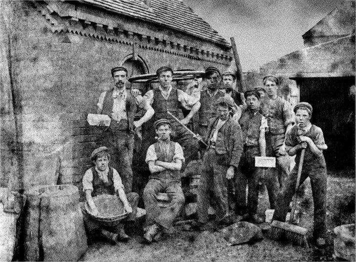 terracotta_workers_1897.jpg
