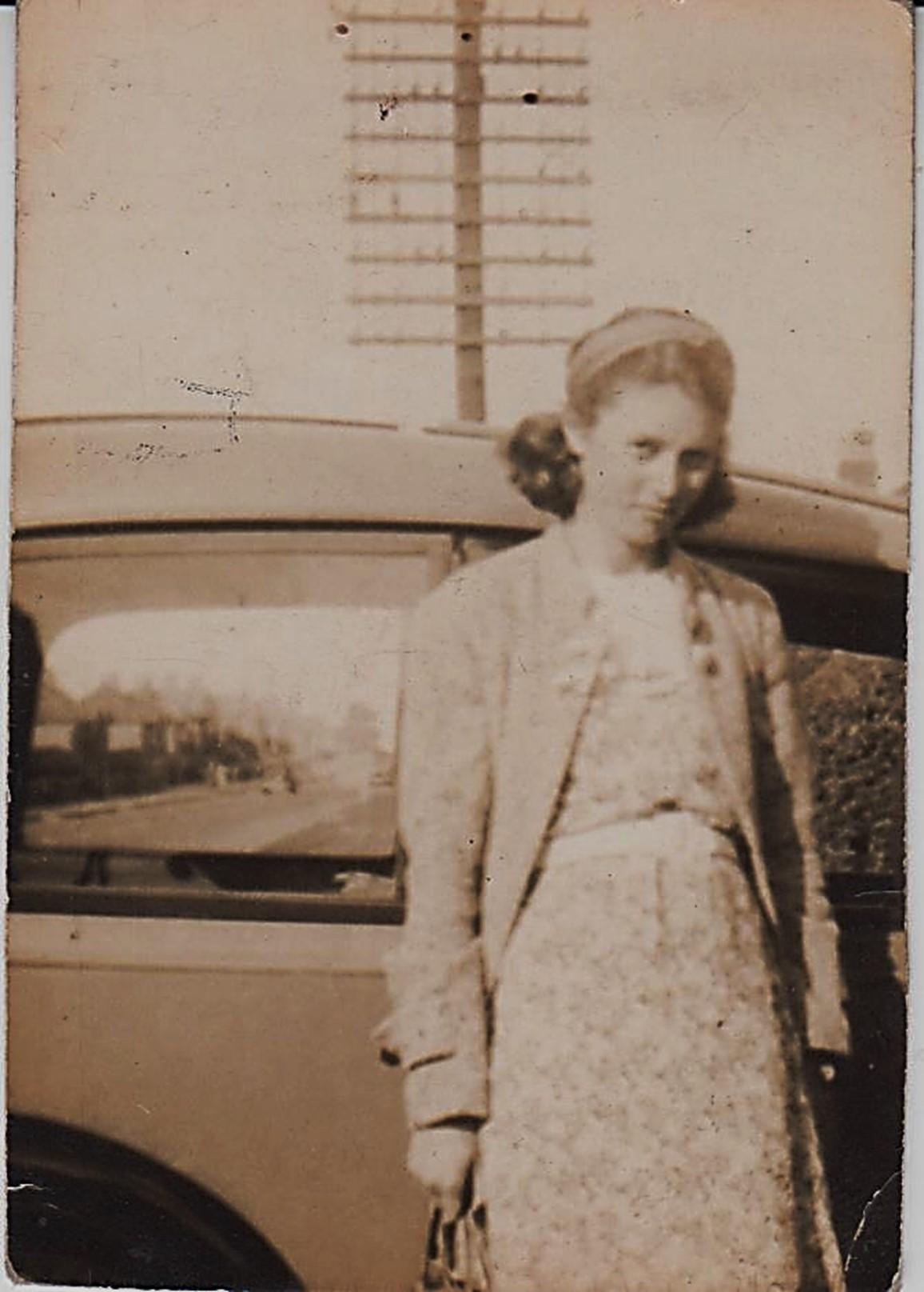phil_girl_friend__maybe_1938_001.jpg