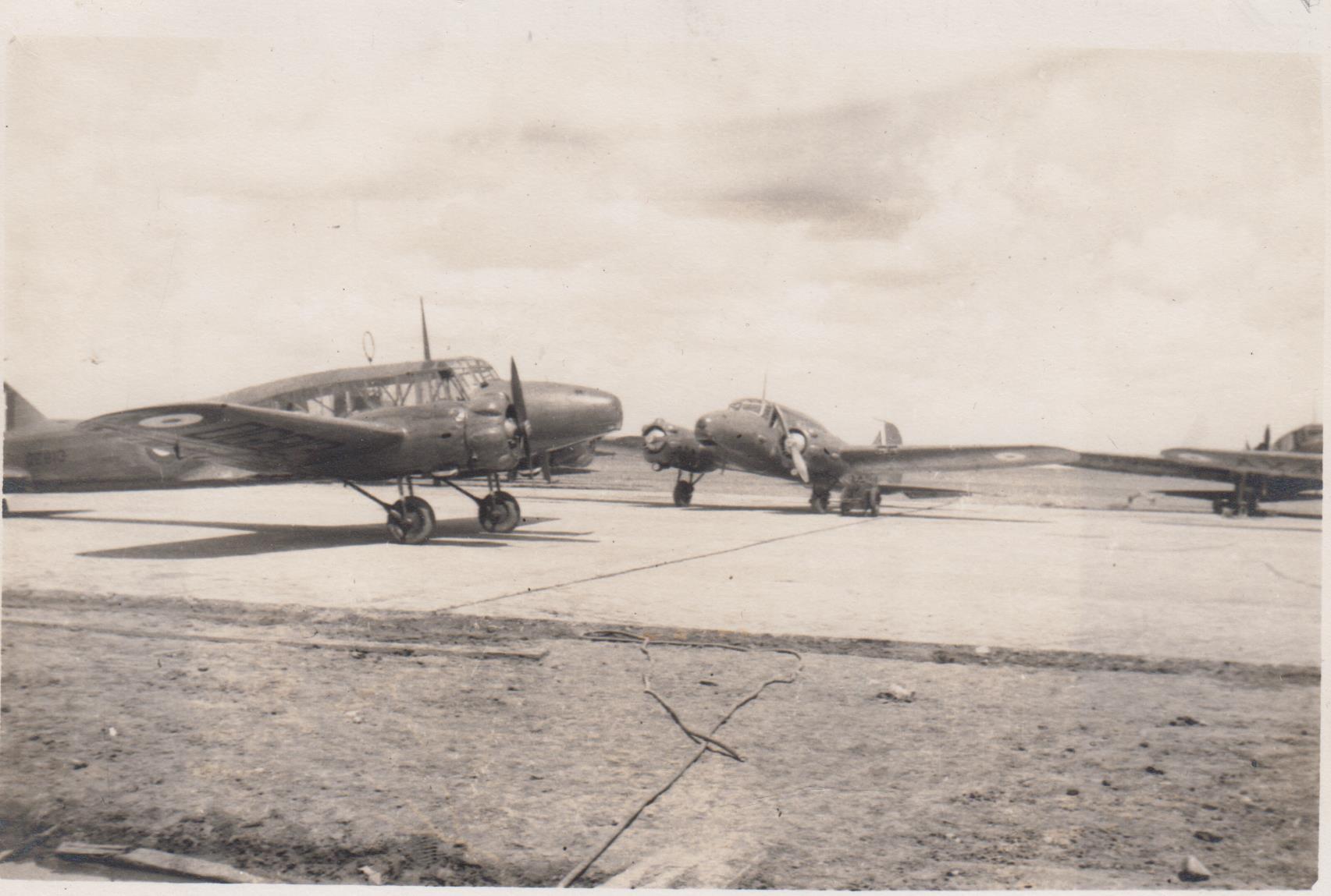 pim_weyburn_planes_on_runway_june_1942_001.jpg