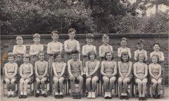 school_grp_mid_1950s_0001.jpg
