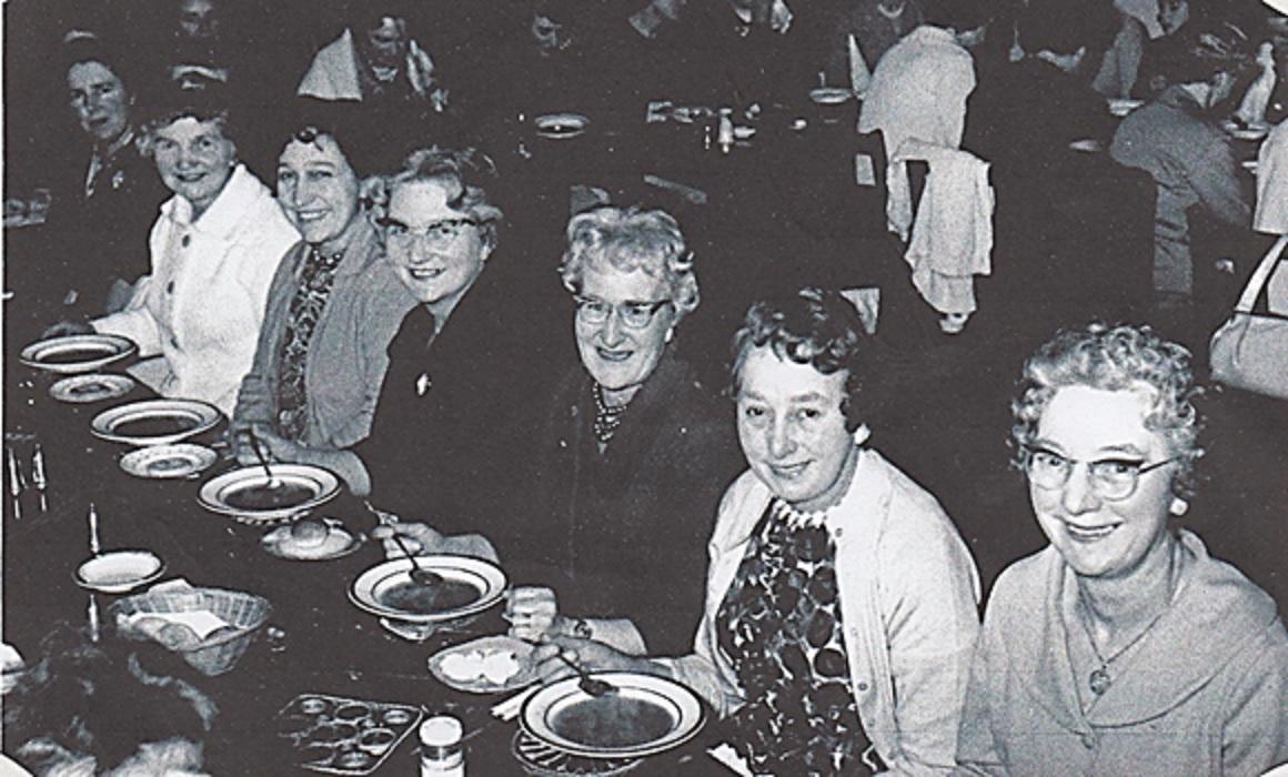 womens_institute_at_yew_lodge_001.jpg