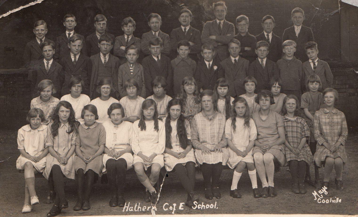 school_group_mid1920s_0001.jpg