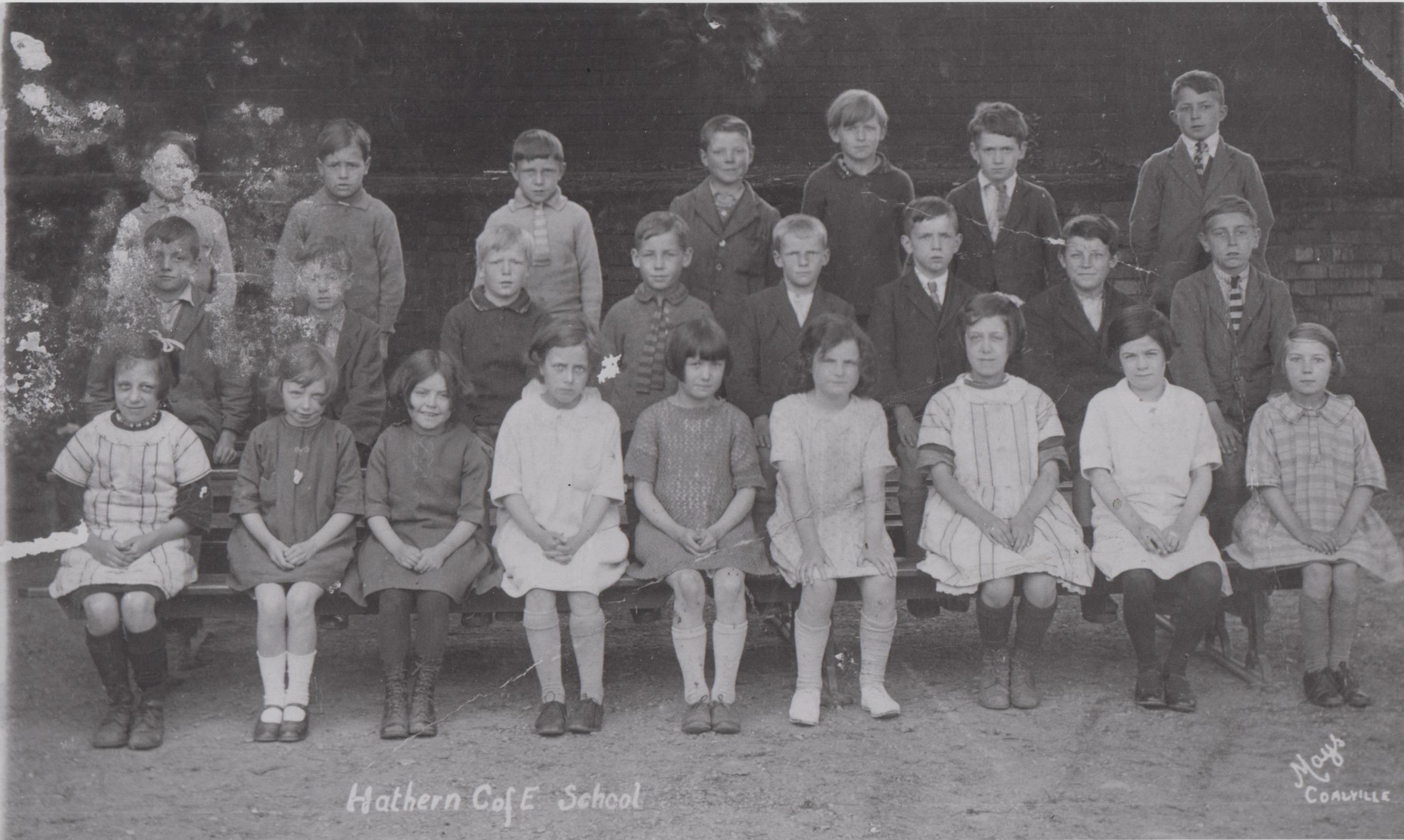 school_group_h113_001.jpg