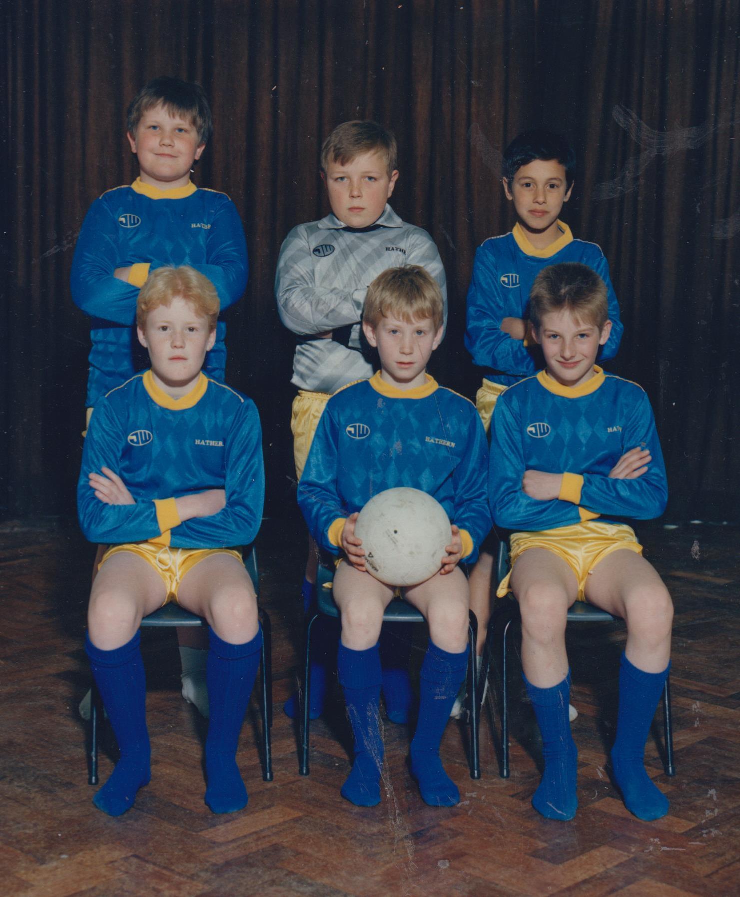 school_football_team_david_hull_et_al_001.jpg