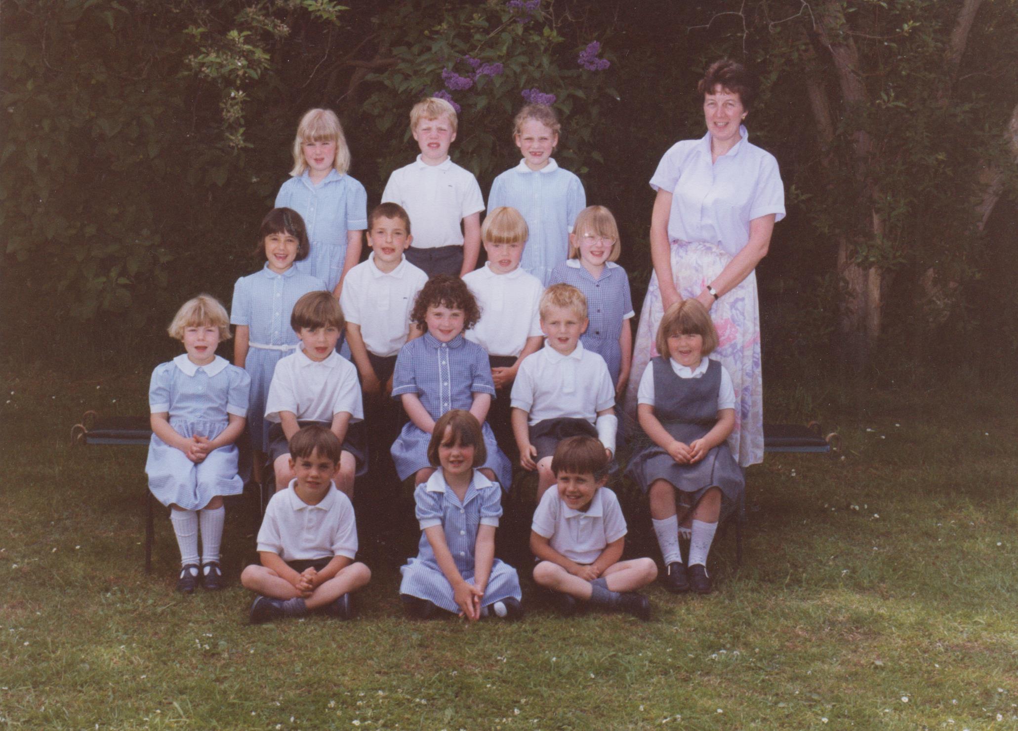 school_group_with_teacher_janice_001.jpg