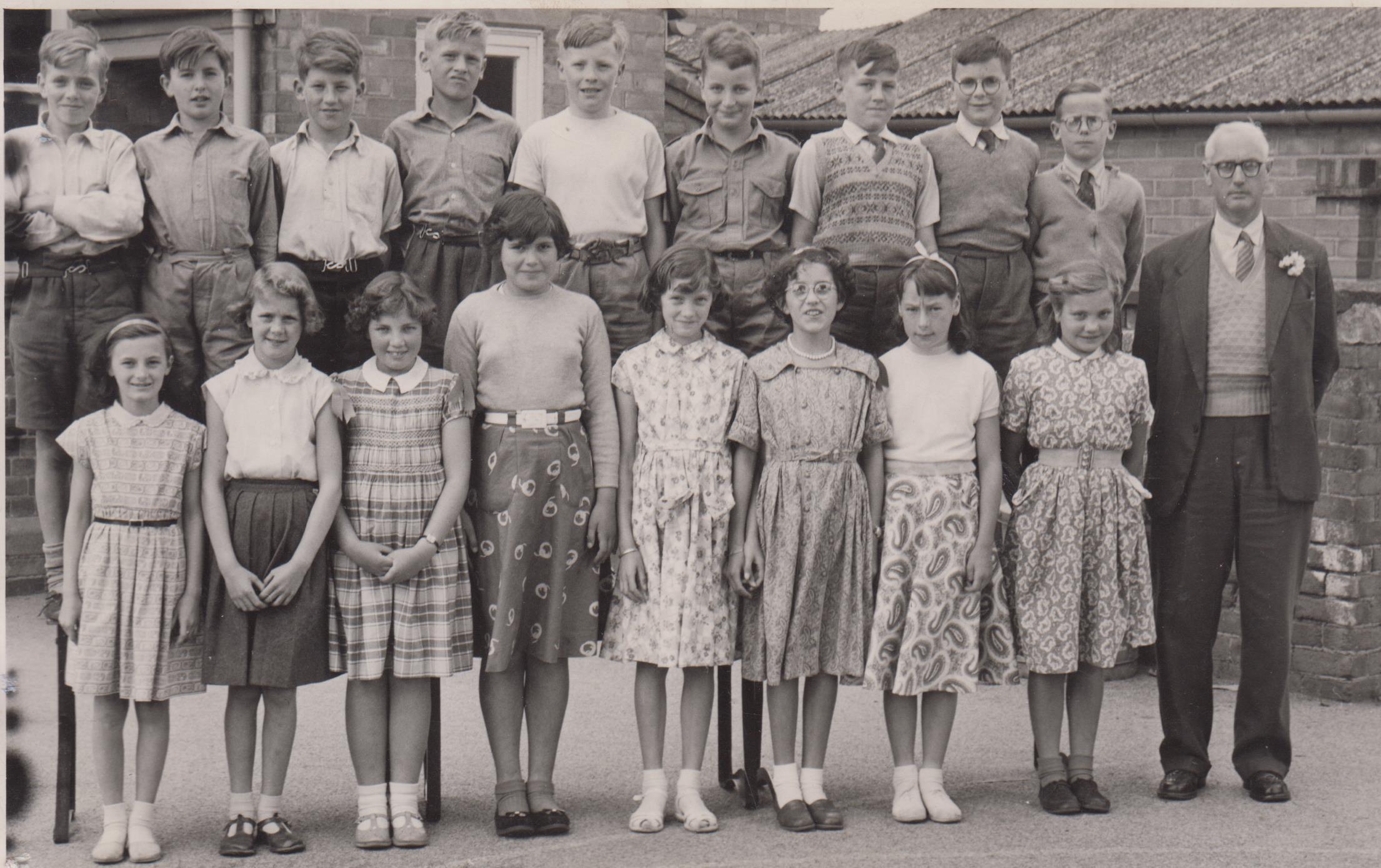 school_leavers_1957_001.jpg