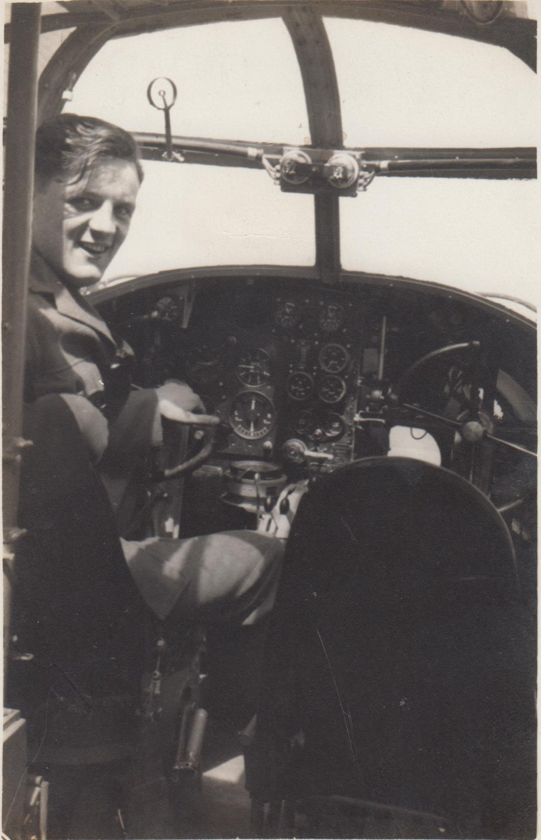 pim_in_pilots_seat_001.jpg
